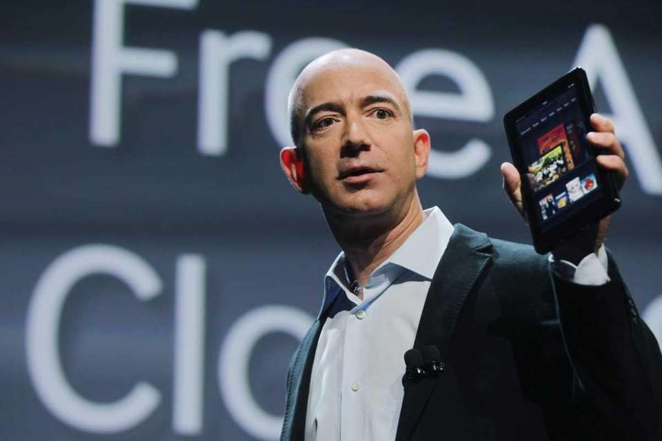 Amazon founder Jeff Bezos debuts the Kindle Fire