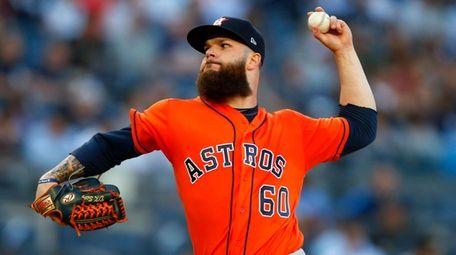 Dallas Keuchel #60 of the Houston Astros pitches