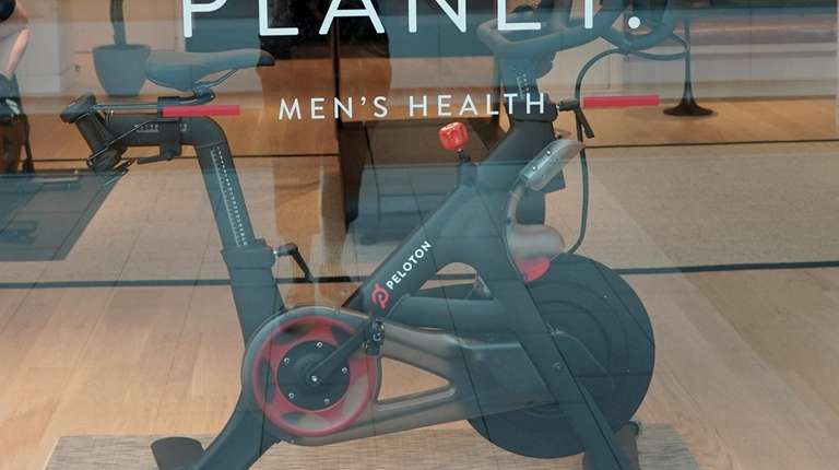 Peloton features stationary bikes and cycling classes.