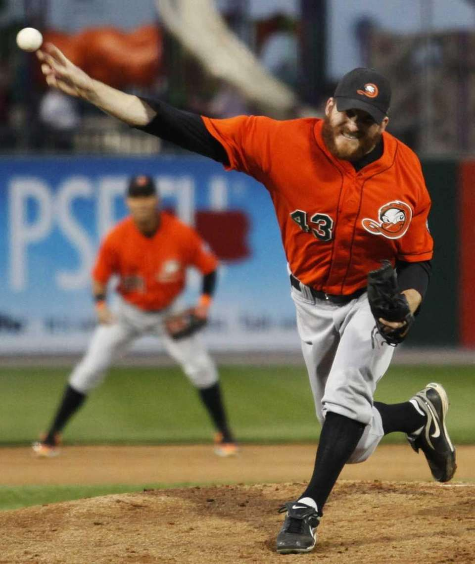 Long Island Ducks pitcher Bob Zimmerman pitches against