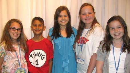 Actress Bailee Madison, center, with Kidsday reporters Kathryn