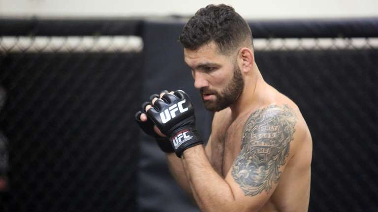 UFC middleweight Chris Weidman, from Baldwin, prepares for