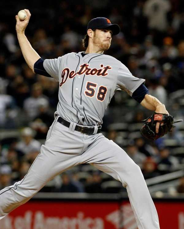 Detroit Tigers' Doug Fister #58 pitches to the