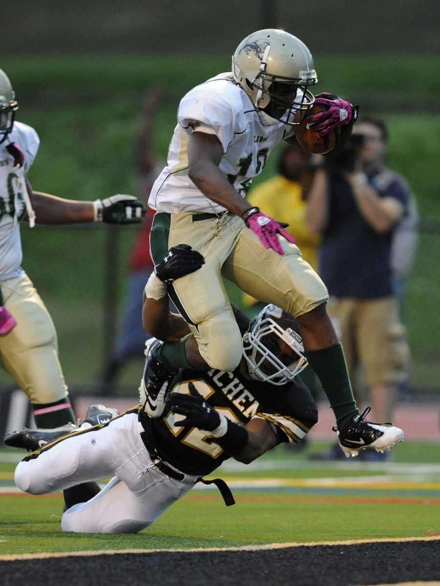 Sachem North's Gio Santiago can't keep Longwood's Davonte