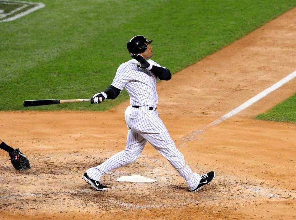 Robinson Cano hits a grand slam to give