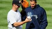 Former New York Yankees pitcher Andy Pettitte, right,