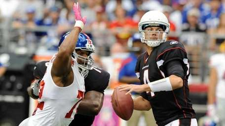 Kevin Kolb #4 of the Arizona Cardinals looks