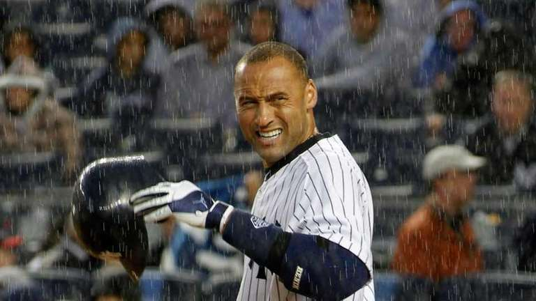 New York Yankees' Derek Jeter #2 checks for