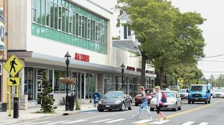 The town's Parking District Committee has recommended four