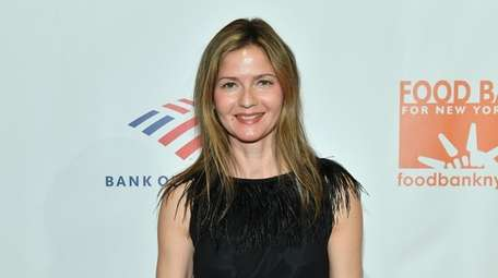 Jill Hennessy attends the Food Bank for New