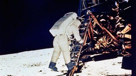"Astronaut Edwin E. ""Buzz"" Aldrin, Jr. descends steps"