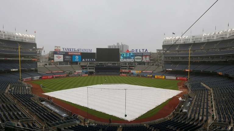ALCS Game 4 postponed for rain, Yanks-Astros resume Thursday