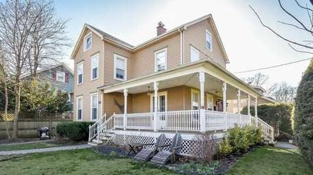 This Sea Cliff Victorian on Roslyn Avenue, with