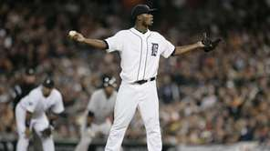 Detroit Tigers relief pitcher Al Alburquerque reacts after