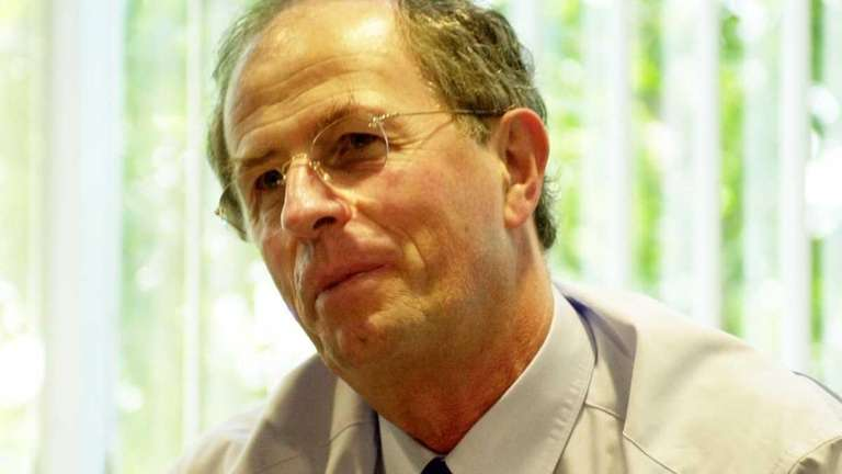 Tomo Razmilovic, former chief executive of Symbol Technologies,