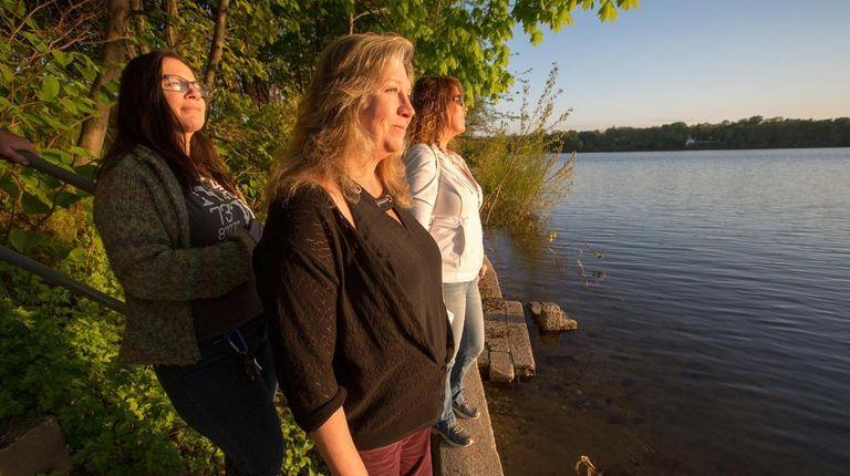 Kathy Meyers, Lisa Nelson and Jennifer Milano, members