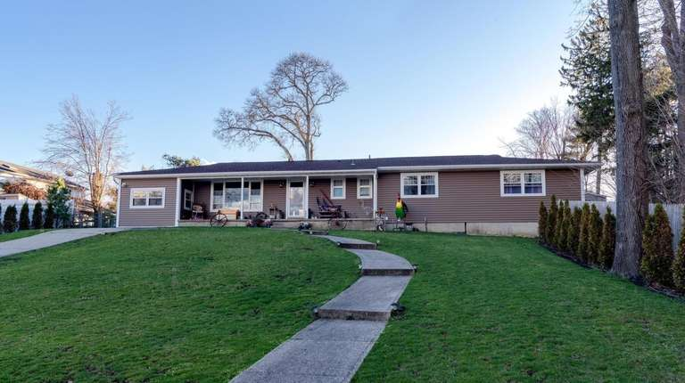 This home in Lake Ronkonkoma is listed for