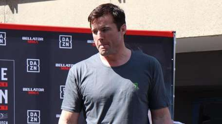 Chael Sonnen appears at the open workouts for