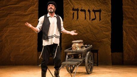 Steven Skybell stars as Tevye in National Yiddish