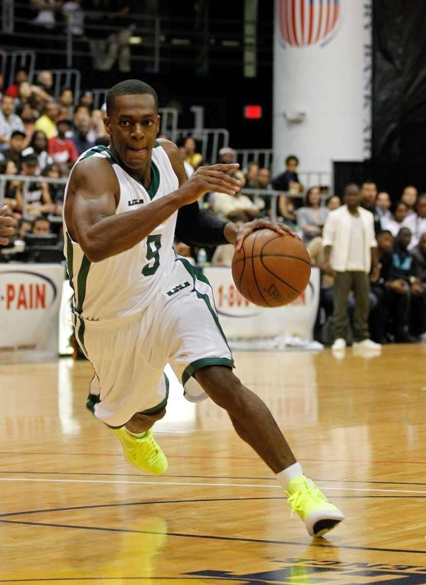 MIAMI, FL - OCTOBER 08: Rajon Rondo drives