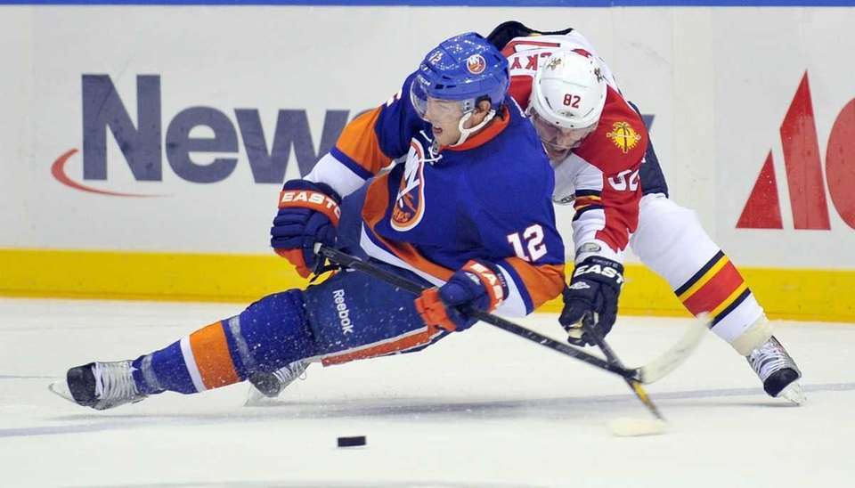 Josh Bailey of the Islanders loses the