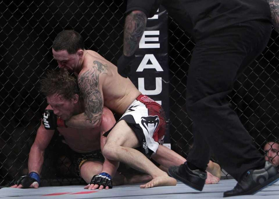 Frankie Edgar, right, knocked out Gray Maynard in