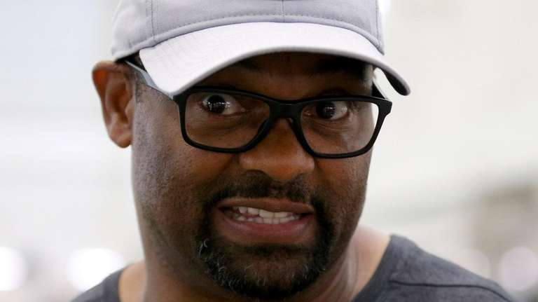 Jets wide receivers coach Shawn Jefferson during an