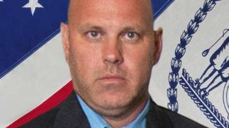 NYPD Det. Brian Simonsen of Calverton was killed