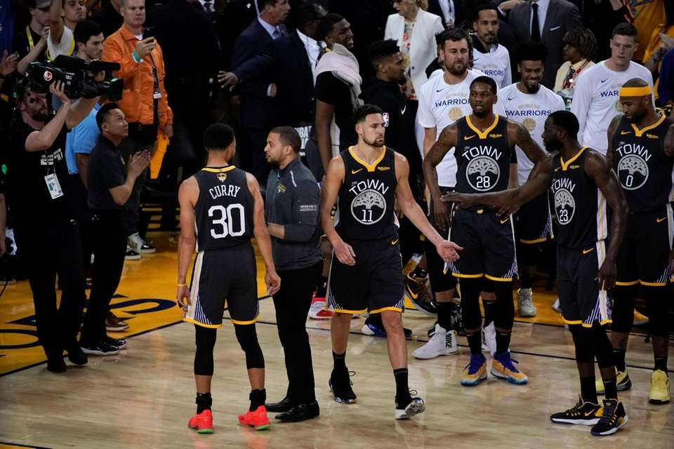 Golden State Warriors guard Klay Thompson (11) is