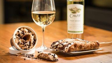 Cavit Wines and Kannoli Kraze in North Massapequa