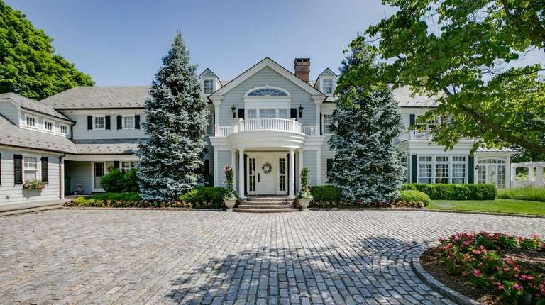 The seven-bedroom, 7.5-bathroom Huntington Bay Colonial includes 225
