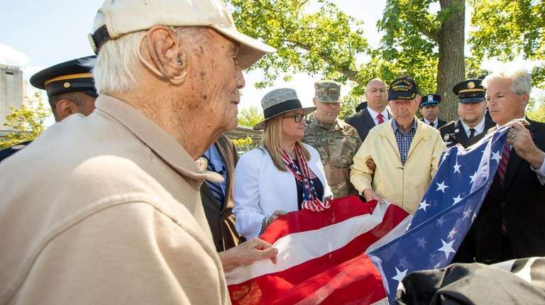 From left, World War II veteran James Carbone