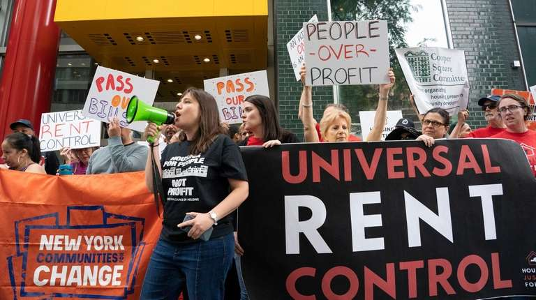Tenants' rights advocates rally in front of Gov.