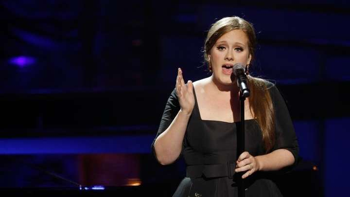 Adele performs during the 2009 VH1 Divas concert
