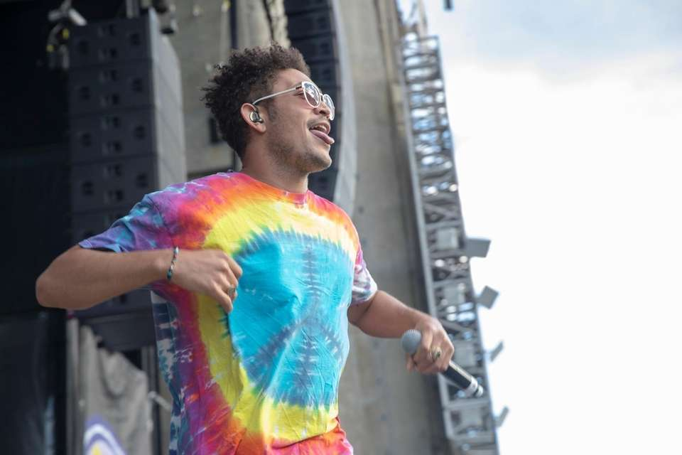 Bryce Vine takes the stage at BLI Summer