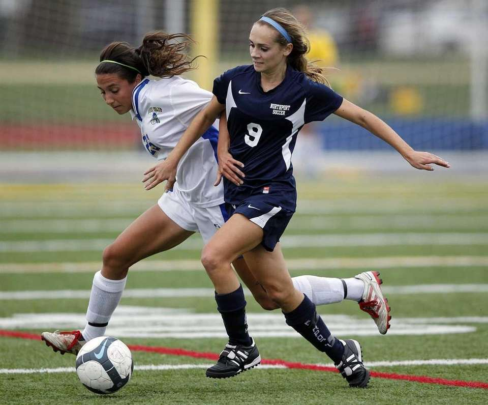West Islip forward Chelsea Weir (25) and Northport's