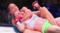 Taylor Turner (left) defeated Heather Hardy during Bellator