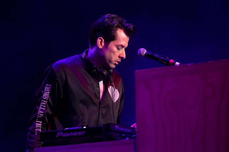 Mark Ronson takes the stage at BLI Summer
