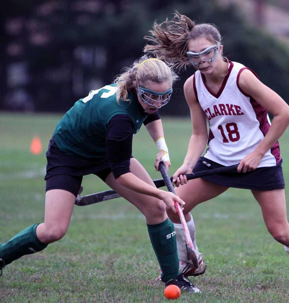Locust Valley's Bairre Reilly with the ball during