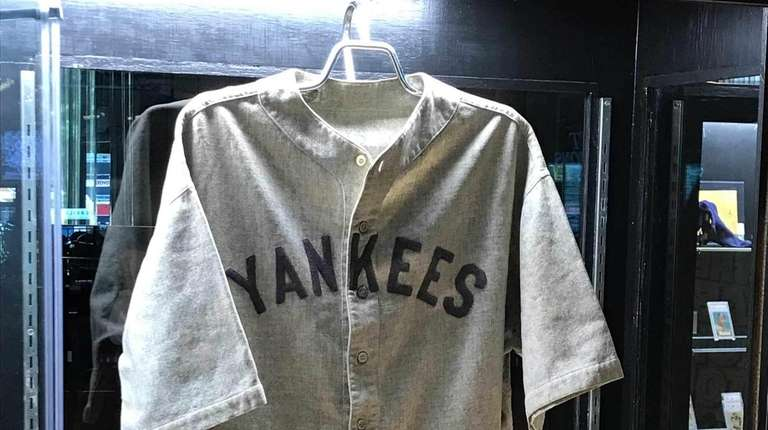 43080f16218 Babe Ruth jersey sells for record $5.64 million at auction | Newsday