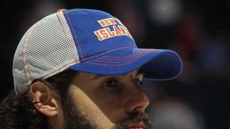 Rick DiPietro of the New York Islanders takes