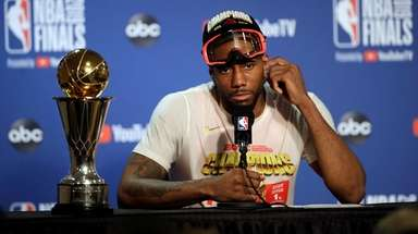 Toronto Raptors forward Kawhi Leonard speaks at a