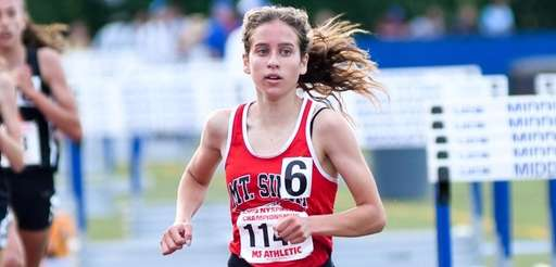 Sarah Connelly competes in 3,000 meters at the