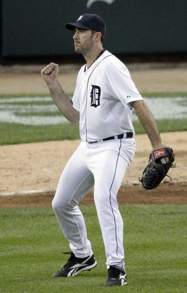 Detroit Tigers pitcher Justin Verlander reacts after ending