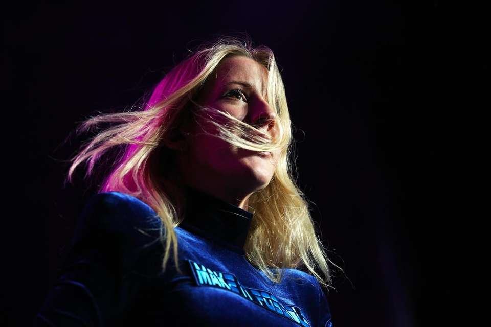 Ellie Goulding takes the stage at Northwell Health