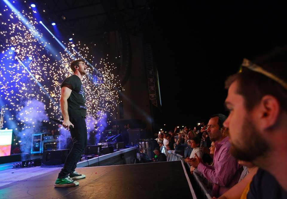 The Chainsmokers take the stage at Northwell Health