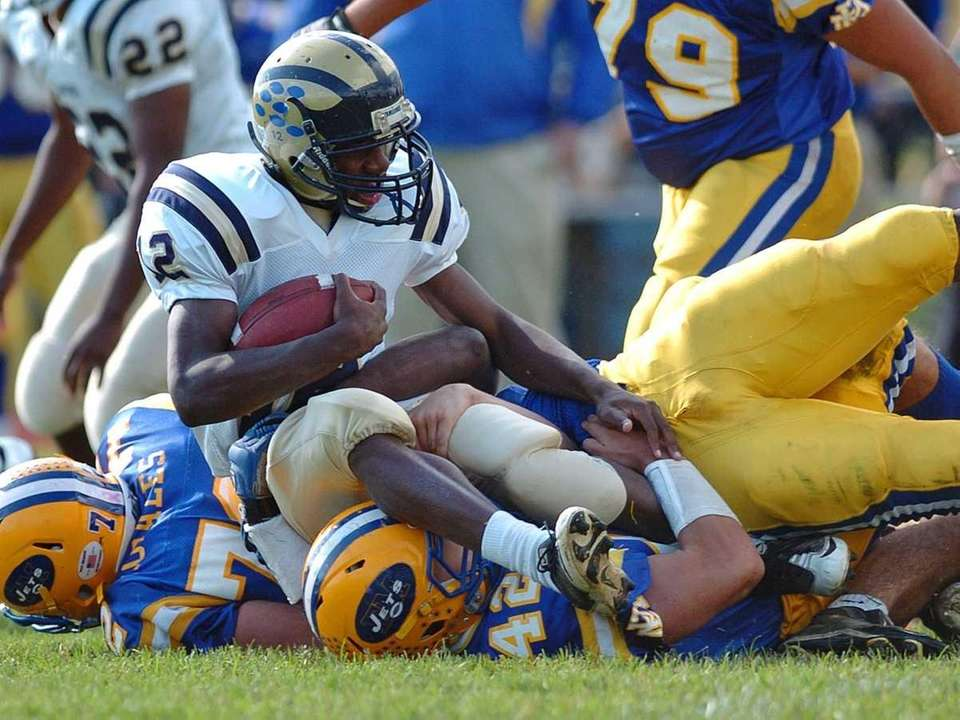 Baldwin High School running back #12 Jovaun Tomlinson