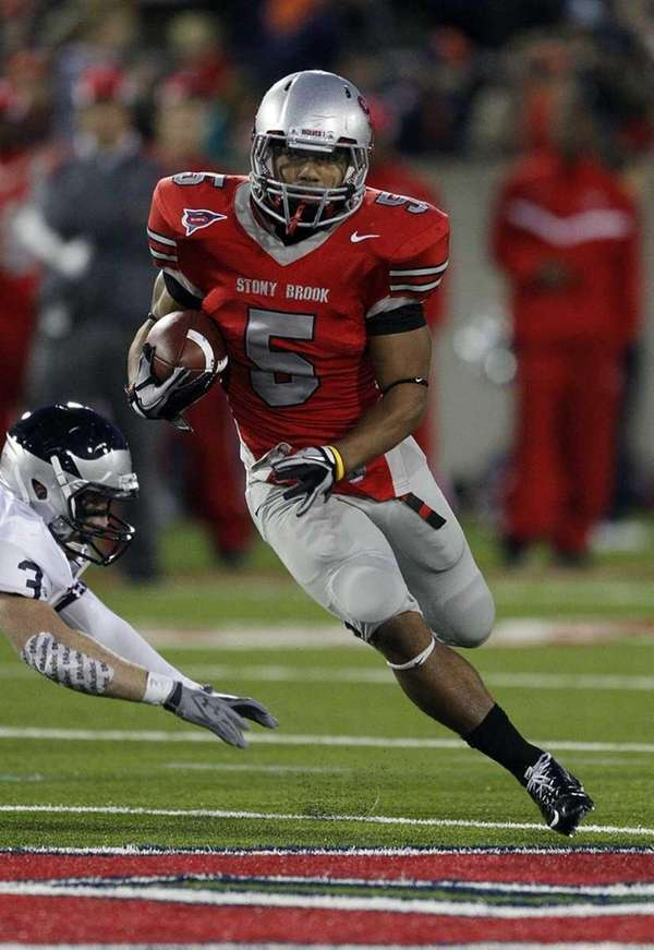 Stony Brook running back Miguel Maysonet (5) cuts