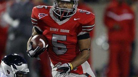 Stony Brook running back Miguel Maysonet (5) cuts