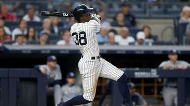 Cameron Maybin follows through on his fifth-inning home